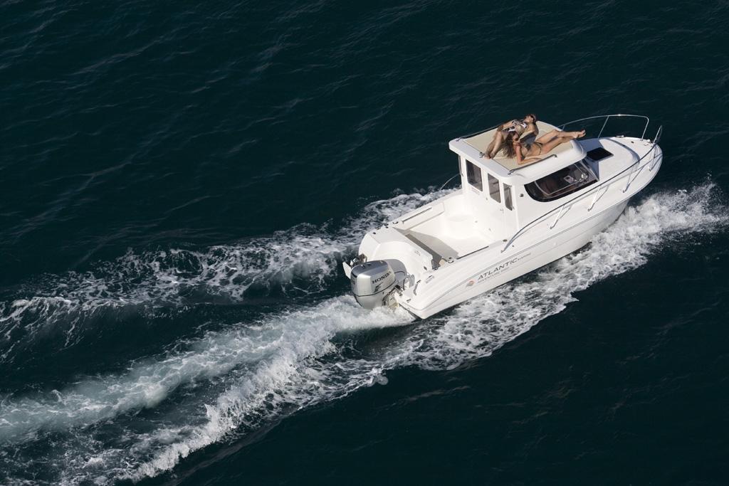 Отличительные особенности морских катеров, купить которые можно на сайте профильного магазина
